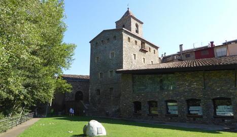 El Palau Abacial del Pont, que acollirà l'arxiu comarcal.