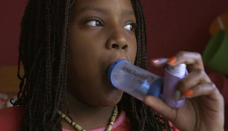 Una nena que pateix una d'aquestes noves al·lèrgies.
