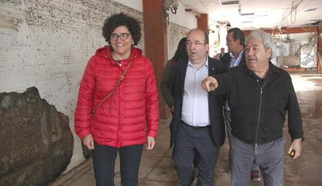 Miquel Iceta, visitant els desastres del temporal a Montblanc.