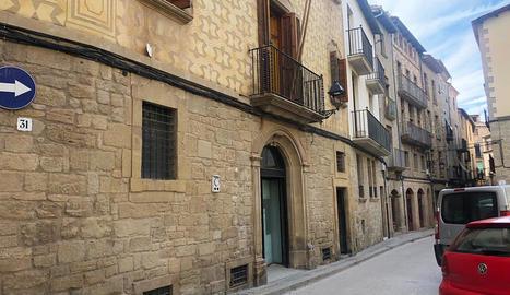 El local adquirit al carrer Llobera de Solsona.