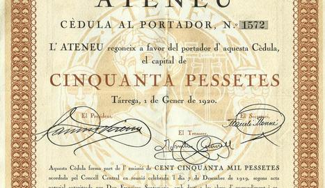 presidència. El president de l'Ateneu, Antoni Tàcies (dreta), i Francesc Montané, membre de la junta (esquerra).