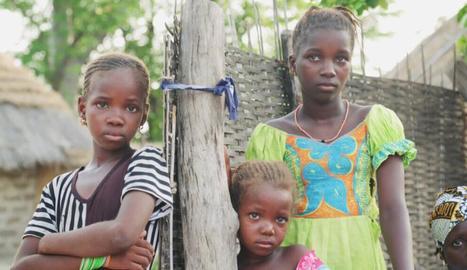 Tres nenes de diferents edats que apareixen al documental.