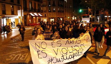 Una manifestació a Manresa contra la sentència per la violació en grup d'una menor el 2016.