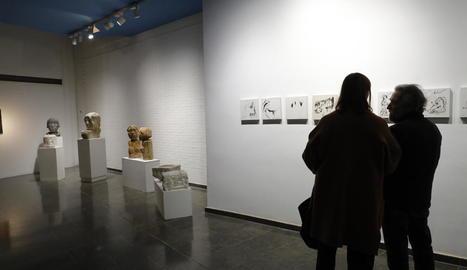 Espai Cavallers va ser el primer equipament a inaugurar l'exposició a les 19.00 h.