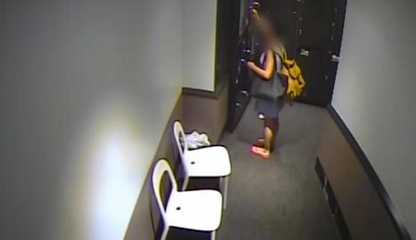 Detinguda per robar a empleats d'un hotel