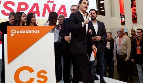 Els taronges, amb Rivera al capdavant, són els grans derrotats de la nit electoral.