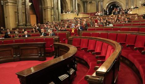 Escons buits del Govern, reunit en el Consell Executiu, i de Cs, els diputats del qual no van votar el text.