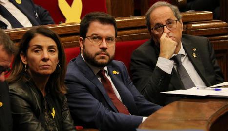 Meritxell Budó, Pere Aragonès i Quim Torra, ahir al Parlament.