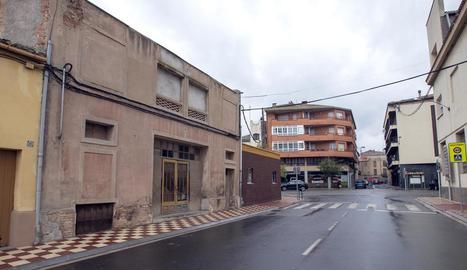 El casal parroquial està situat a l'avinguda de Solsona.