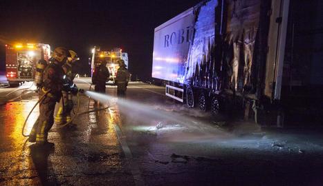 Tallada quatre hores l'N-II a Granyanella per l'incendi d'un camió