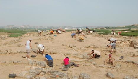 gebut. Excavació al poblat situat a Soses, coetani dels Vilars d'Arbeca, creats aproximadament al segle VII aC.