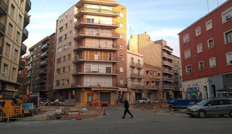 L'encreuament de Ramon Llull, Pallars i Alcalde Porqueres, en obres.