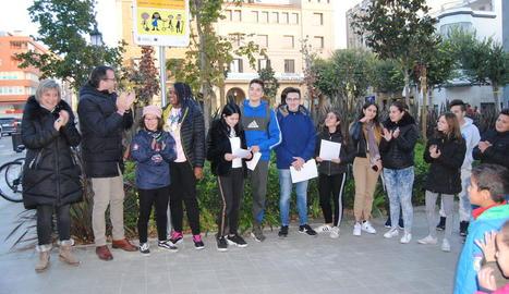 Mollerussa va inaugurar ahir una placa de la campanya 'Juga i mou-te amb responsabilitat'.
