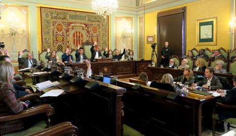 L'equip de govern, al votar a favor de desestimar el recurs del PSC.