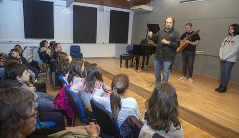 El director, Ricard Grau, divendres a la inauguració de les aules.