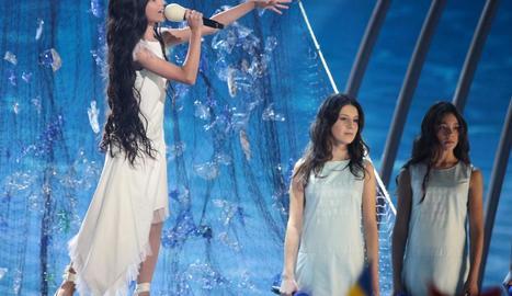 La representant espanyola, Melani García, durant l'actuació al festival d'Eurovisió Júnior.