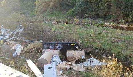 Una imatge facilitada pel Servei Català del Trànsit del camió accidentat