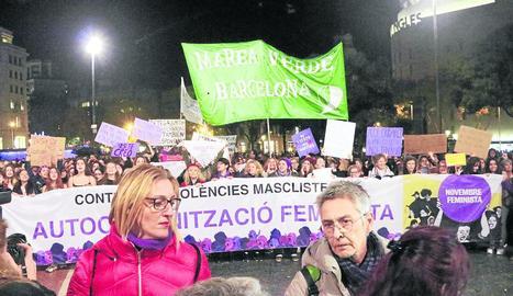 Capçalera de la manifestació celebrada ahir a Barcelona.
