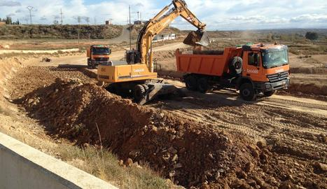 El sòl argilenc s'ha substituït per un de més drenatge.