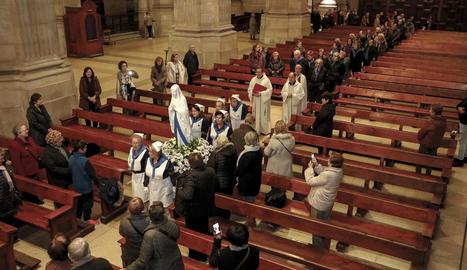 La Catedral de Lleida va rebre ahir les relíquies de la santa Bernadette Soubirous.