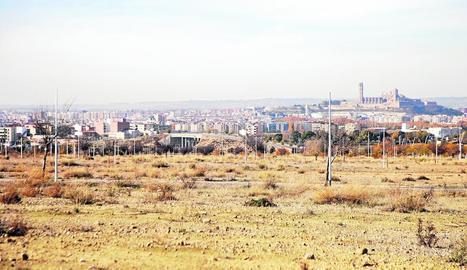 Vista d'una part dels terrenys del parc comercial de Torre Salses, entre els Magraners i la Bordeta.
