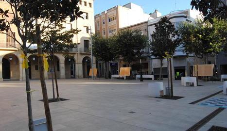 La plaça de l'Ajuntament de Mollerussa.