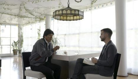 L'expresident de Bolívia Evo Morales conversa amb Ricard Ustrell.