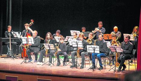 La Big Band de l'Escola Municipal de Música d'Agramunt (EMMA) es va estrenar dimecres.