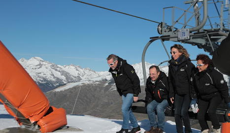 La consellera Àngels Chacón, ahir durant la visita a l'estació d'esquí de Boí Taüll.