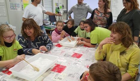 Un dels tallers en què van participar alguns pares.