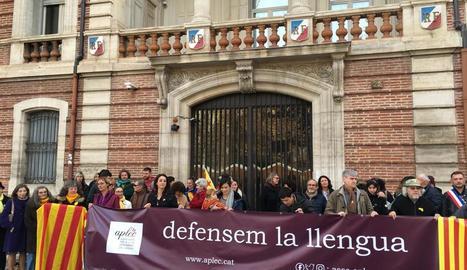 Concentració en defensa del català a Perpinyà, ahir.