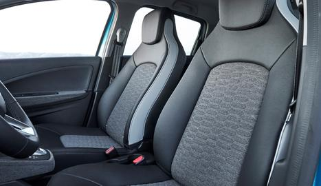 Renault fa un pas més en la seua aposta per l'economia circular incorporant el Zoe, producte tèxtil procedent de cinturons de seguretat,