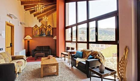 L'Hotel Palacio del Obispo és un hotel spa de quatre estrelles situat al centre històric de Graus (Osca).