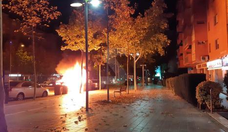 Lloc dels contenidors cremats al gran passeig de Ronda