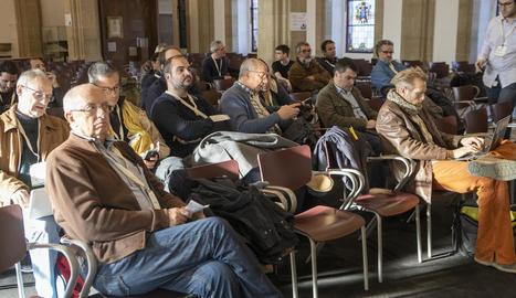 Autors de textos de Viquipèdia, a la Universitat de Cervera.