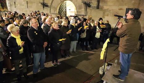 Els cantaires es van reunir ahir de nou per reclamar la llibertat dels presos del procés.