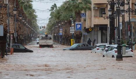 Un carrer de la localitat murciana de Los Alcázares, ahir, inundada.