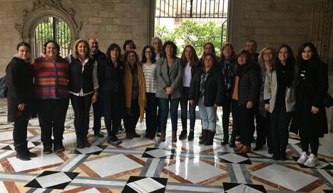 La consellera Teresa Jordà amb les participants a l'acte de constitució del Consell Assessor de Dones del Món Rural i Marítim
