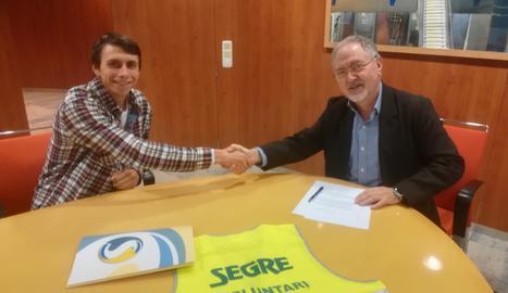 Miquel Gimeno i Juan Cal signen el conveni de col·laboració