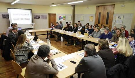 Reunió ahir del consell escolar municipal de Lleida.