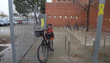 El recinte tancat del campus d'Agrònoms per a bicicletes.