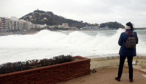 Al litoral català les ones van arribar a assolir els 6 metres.