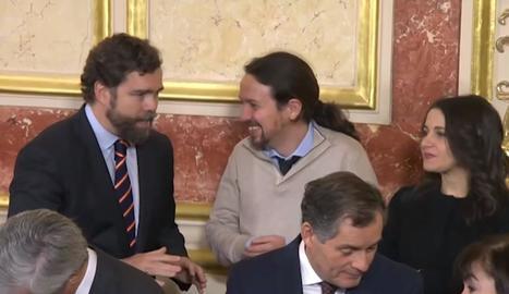 Sánchez i la presidenta del Senat, Pilar Llop, al costat de la del Congrés, Meritxell Batet, ahir, a Madrid.