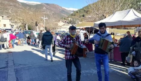 A Tuixent la jornada va comptar amb música tradicional i popular del Pirineu a càrrec de Pep Lizarra.