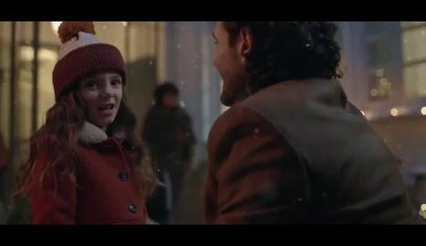 La protagonista, amb el seu pare.