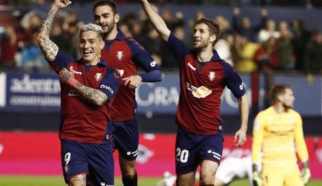 Chimy Ávila celebra el gol amb què va donar l'empat a l'Osasuna.