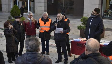 Assistents a l'assemblea de la Marea Pensionista de Lleida, ahir.