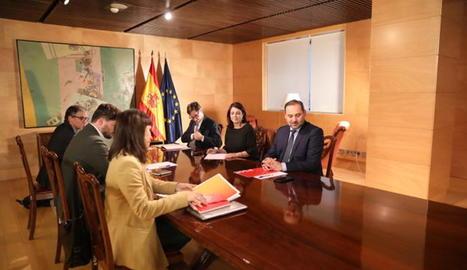 Una imatge de la reunió dels equips negociadors d'ERC i PSOE que va tenir lloc el passat 3 de desembre.