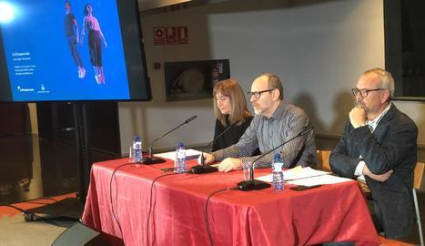 Puri Terrado (Auditori), el regidor Jaume Rutllant i Llorenç Corbella, amb cara de circumstàncies.