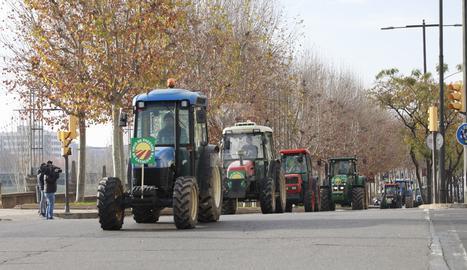 © Tractorada en defensa de la fruita